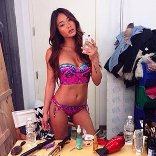 @jarahm: Hey! I got a bikini who's got the beach? #dreamingofsunshine