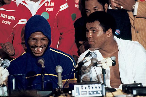 Leon Spinks and Muhammad Ali :: Neil Leifer/SI