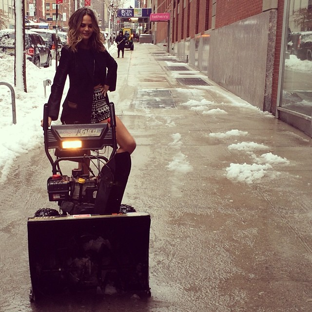 @chrissyteigen: Plowing the snow for @bethenny!