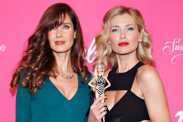 Carol Alt and Daniela Pestova :: Getty Images