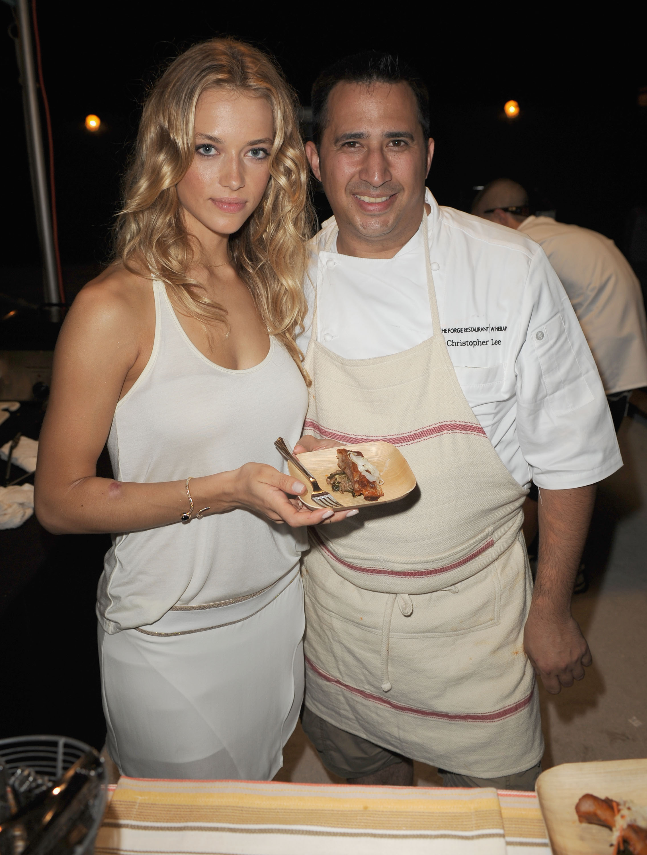 Hannah Ferguson and Chef Christopher Lee :: Getty Images