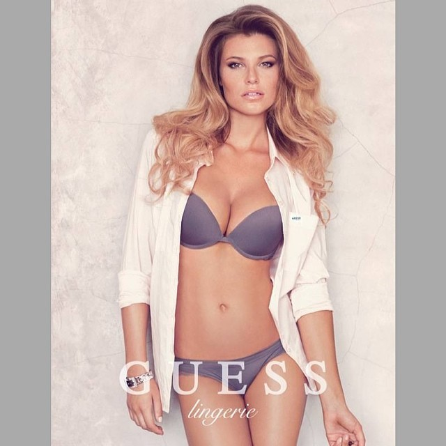 @samanthahoopes_: Good Monday morning!! Don't forget to wear your business clothes  @guess @paulmarciano @si_swimsuit#rookieoftheyear #siswim14 #siswim50 #guess #guessgirl#businesscasual