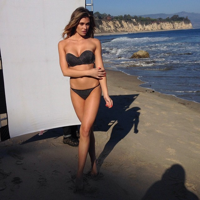 @samanthahoopes_: #bts of my upcoming cover shoot!! @johnrussophoto #sirookie#sirookieoftheyear #siswim14 #bts #amazing #blessed #malibu#thankyoujane ️