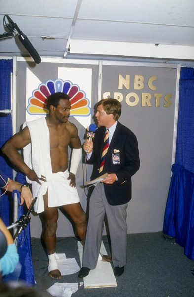 Walter Payton and Bob Costas :: Getty Images