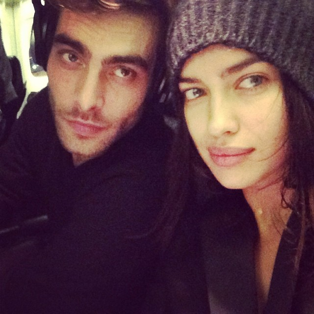 @irinashayk: @kortajarenajon !please can u switch a seat??? Stalker !the best plane ride ever bye bye LA