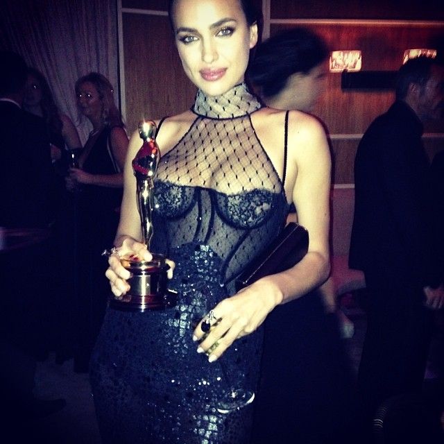 @irinashayk: I'd like to thank...#oscars @vanityfair