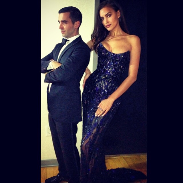 @irinashayk: @ryan_mbrown #oscars !felling it LOL @alikavoussi