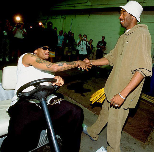 Allen Iverson and Kobe Bryant :: Andrew D. Bernstein/NBAE via Getty Images