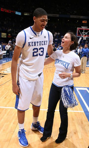Ashley Judd and Anthony Davis :: Brian Spurlock/US PRESSWIRE