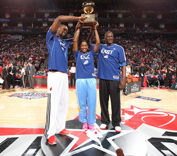 Swin Cash, Dominique Wilkins and Chris Bosh :: Getty Images