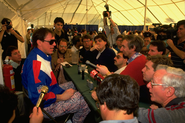 Jim Kelly and media (1991) :: John Biever/SI