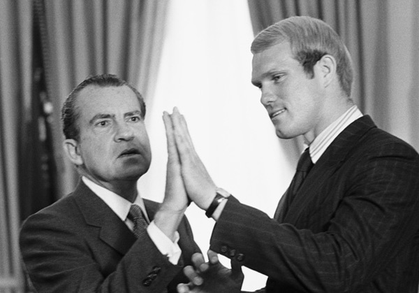 Terry Bradshaw and Richard Nixon (1970) :: Corbis