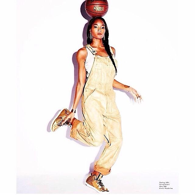 @damarislewis: Balancing act #notofumagazine #GOLD