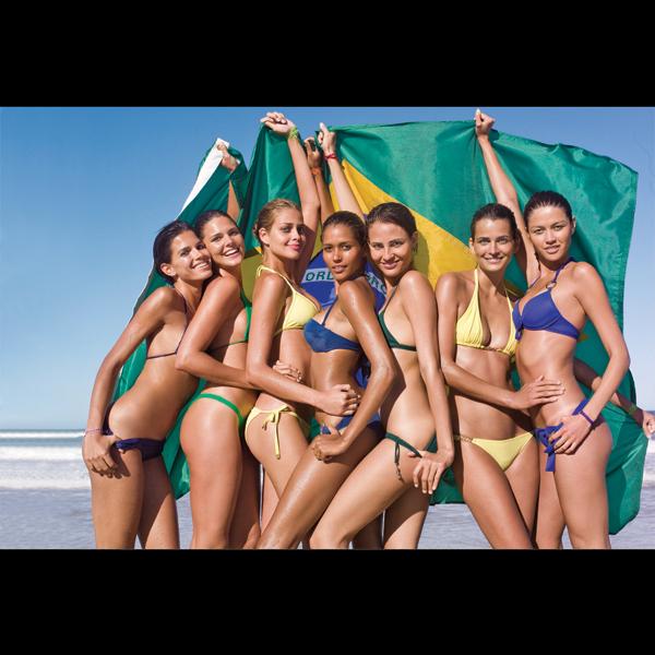 L to R: Raica Oliveira, Daniella Sarahyba, Ana Beatriz Barros, Ana Paula Araujo, Fernanda Tavares, Fernanda Motta, and Aline in Brazil, 2007 :: J.R. Duran/SI