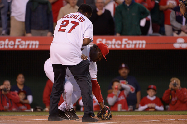 Angels hitting coach Don Baylor injured during first pitch ceremony. (Robert Hanashiro-USA TODAY Sports)