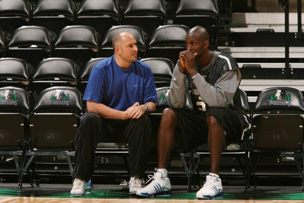 Rex Chapman and Kevin Garnett (2006) :: David Sherman/NBAE via Getty Images