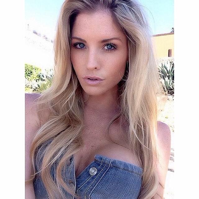 Carly Lauren :: @misscarlylauren/Instagram