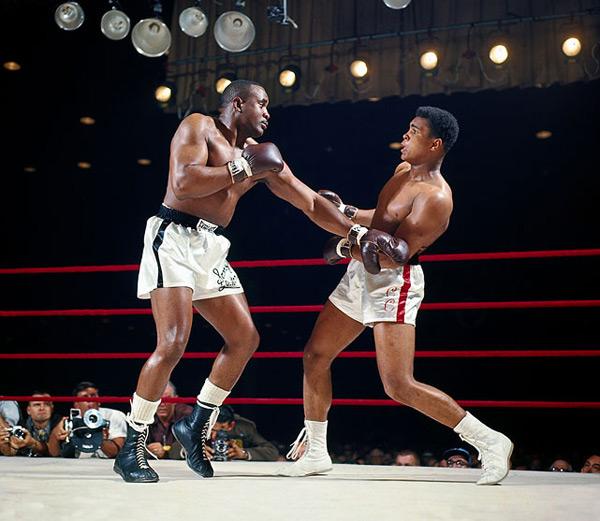 Cassius Clay and Sonny Liston :: Neil Leifer/SI