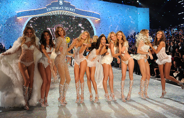 Victoria's Secret Models :: Getty Images