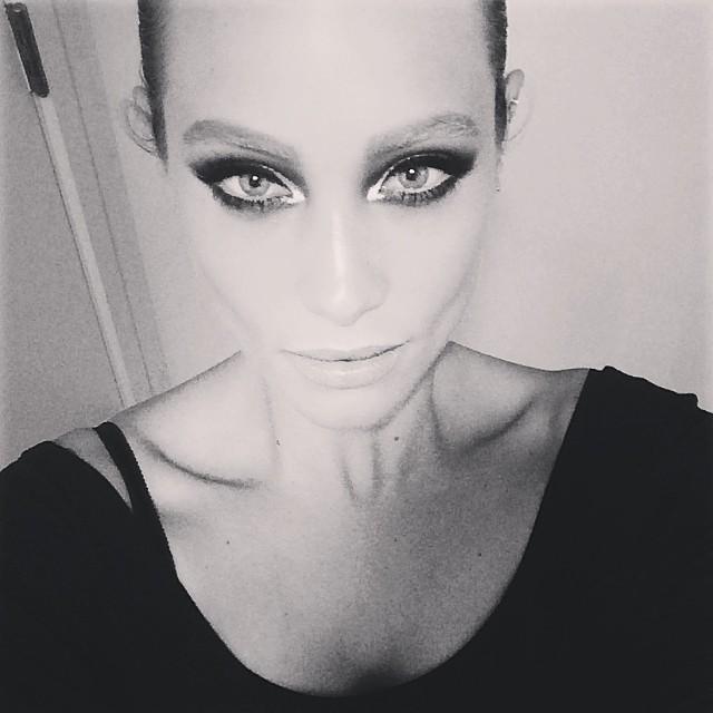 @hanni_davis gives Natalie Portman as the Black Swan a run for her money