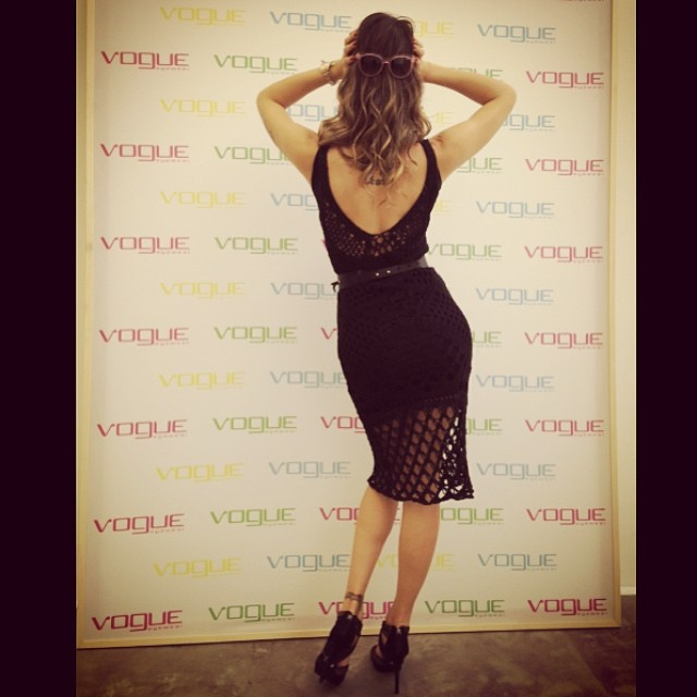 @isabelifontana_official has a little fun on the carpet at the Vogue Eyewear launch
