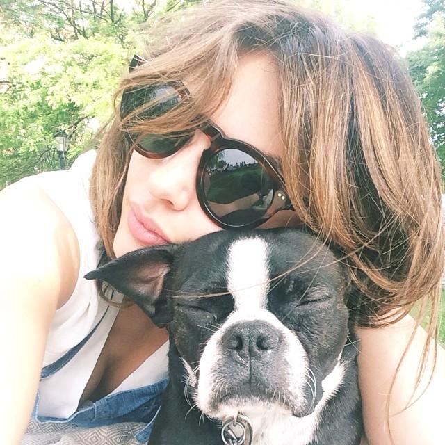 Alyssa Miller (@luvalyssamiller) and her pup pull off the instanap