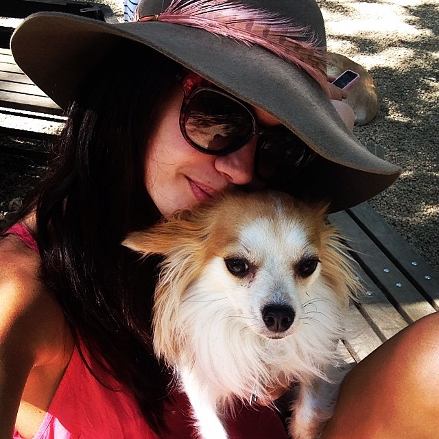 Sara Sampaio takes her dog (Luigi Sampaio) out on a sunny day