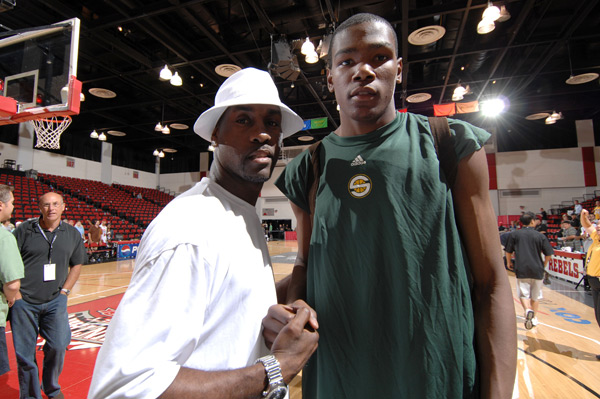 Kevin Durant and Gary Payton :: Getty Images