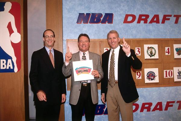 Russ Granik, Peter Holt and Gregg Popovich, 1997 :: Steve Freeman/NBAE via Getty Images