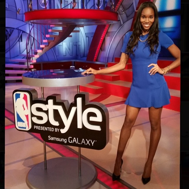 @damarislewis: Stay Tuned to TNT for a word from #NBAStyle presented by Samsung Galaxy!