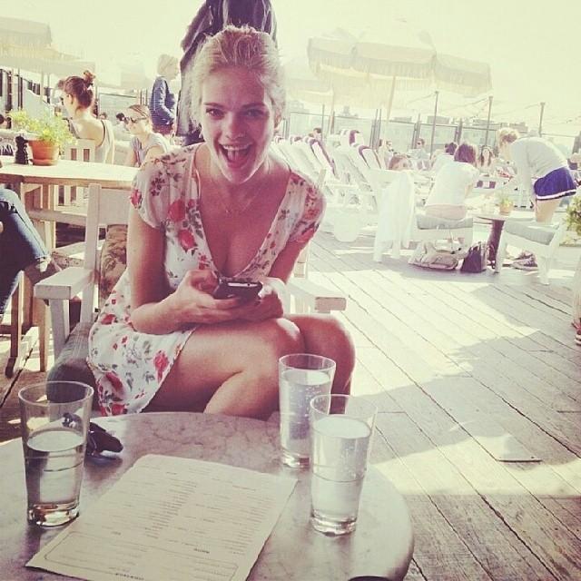 @valerievdgraaf: summer day at soho house with @josefienrodermans #sohohouse #nyc#prosecco #dutch