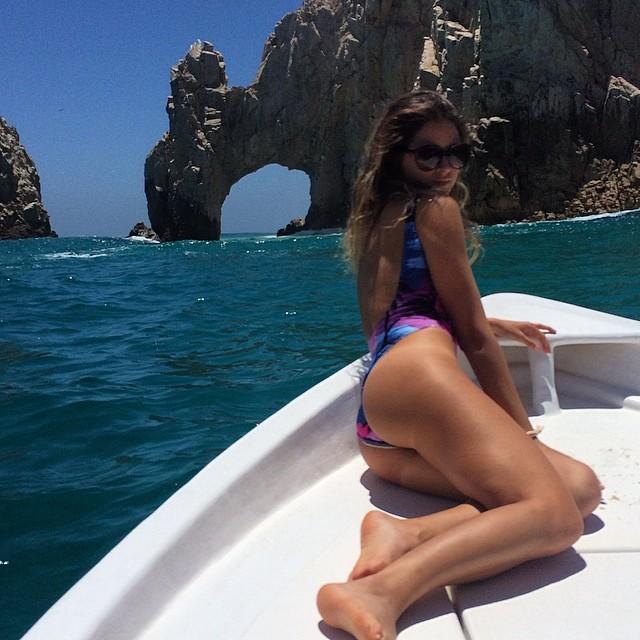 @anastasiaashley: Boating today .. training for the @loscabosopenofsurf