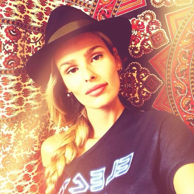 @yasminbrunet1: Meu chapéu tem 3 pontas @luizabrunet