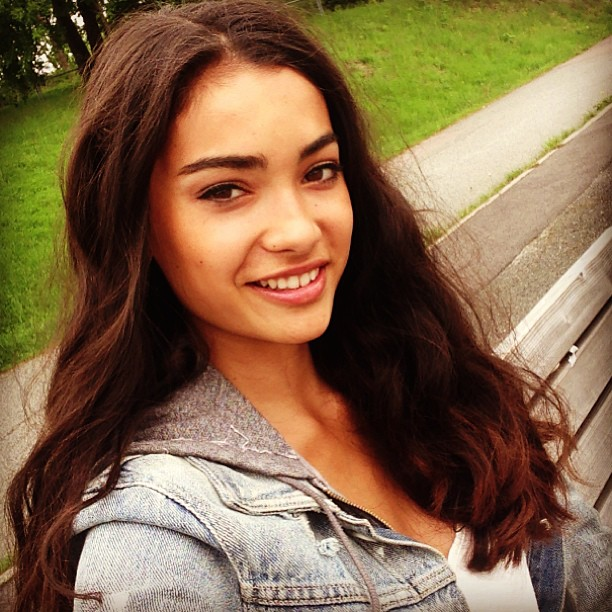 Kelly Gale :: @kellyboomboom/Instagram