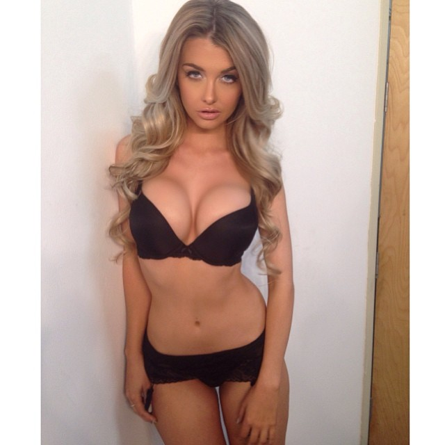 Emily Sears :: @emilysears/Instagram