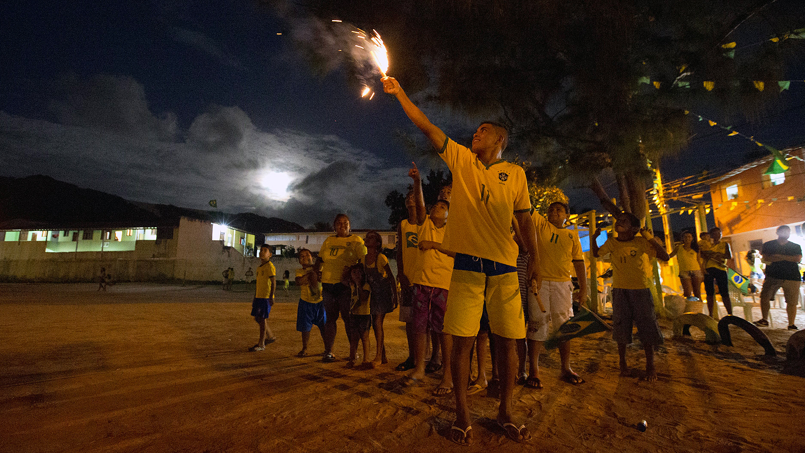 Viagem Brazil: Greg Bishop and Simon Bruty's Travel Guide to the Other Side of the World Cup.