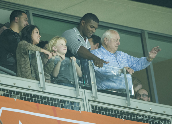 Yasiel Puig and Tommy Lasorda :: Getty Images