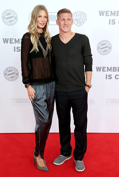 Sarah Brandner and Bastian Schweinsteiger :: Getty Images