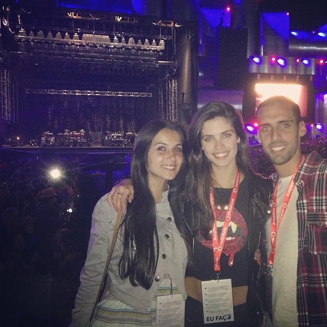 @sarasampaio: At #rockinrio #lisbon #rirlisbon #rockinriolisboa waiting for @justintimberlaketo come on stage! @andrepsampaio #veronica