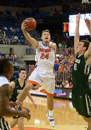 Zach Hodskins appeared in his first regular season game for the Gators against William & Mary.