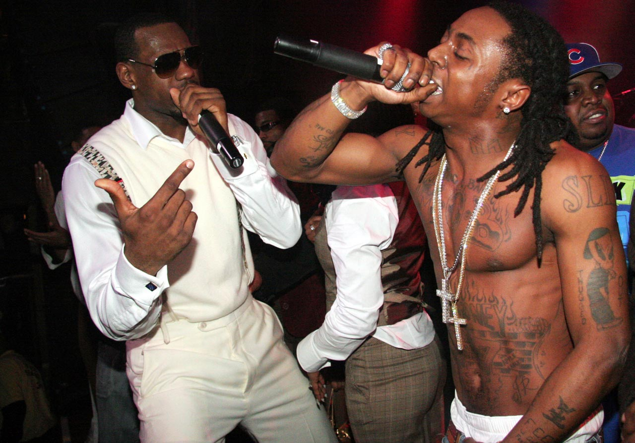 LeBron celebrates his 21st birthday by sharing the mic with rapper Lil' Wayne.