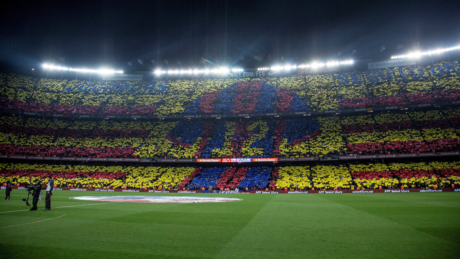 Barcelona fans show all who the real 12th man is ahead of the March 2015 Clásico vs. Real Madrid.