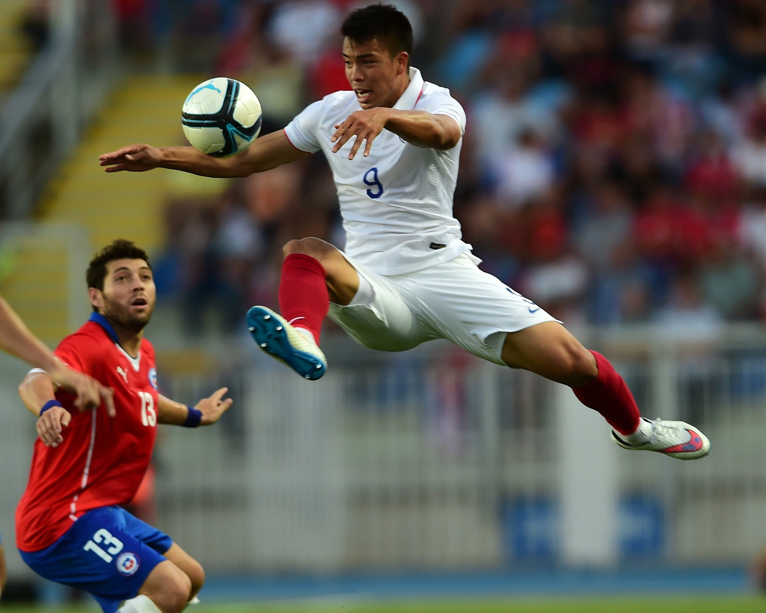 Bobby Wood flies high in the USA's 3-2 loss to Chile, which opened the calendar year for the national team. Brek Shea and Jozy Altidore scored in the loss.