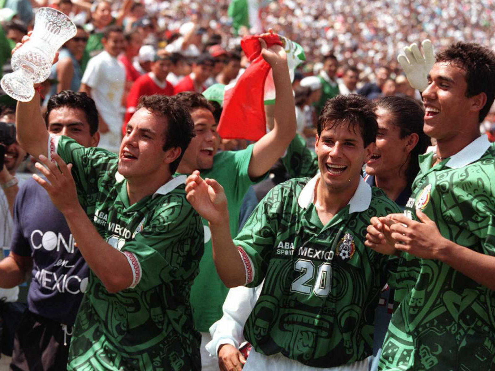 Blanco lifts the 1996 U.S. Cup at the Rose Bowl after his goal helped Mexico secure a 2-2 draw against the USA in the final, which was good enough to claim the title.