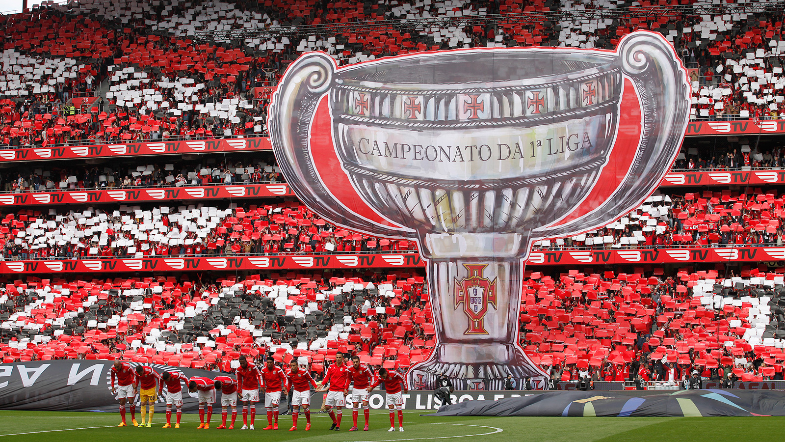 Fans at Benfica's Estadio da Luz remind rival Porto who the Primeira Liga reigning champion is during an April 2015 match in Portugal.