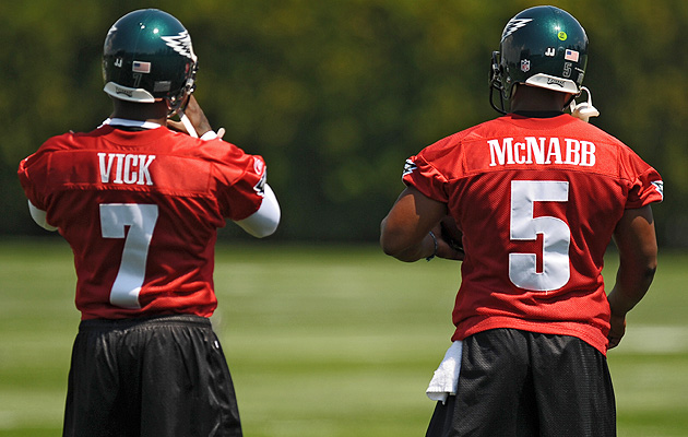 The furor following Vick's signing faded as the 2009 season wore on and he remained buried behind McNabb and Kolb on the depth chart.