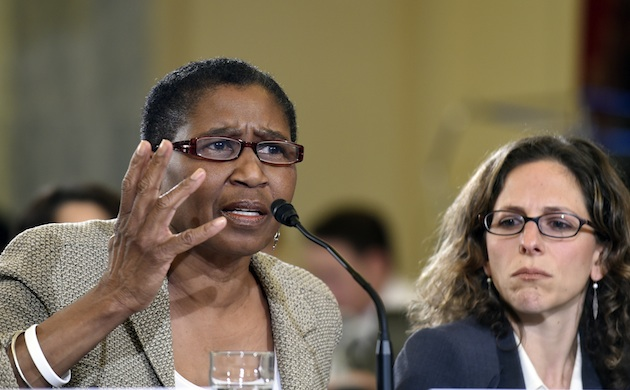 NBAPA director Michele Roberts (l) has been a vociferous proponent of uncapping athlete pay.
