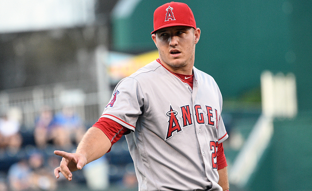 Report: Angels' Mike Trout involved in car crash, not injured