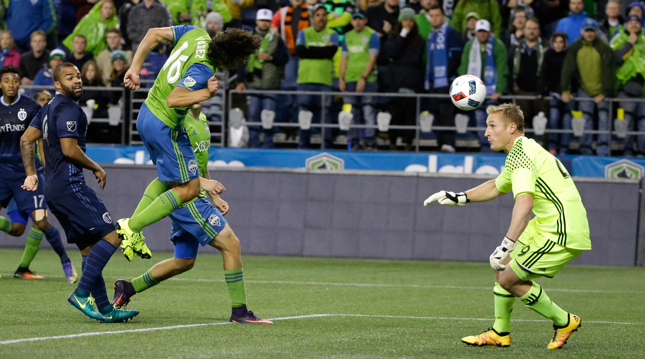 Nelson Valdez's controversial winner sends Sounders by Sporting KC in MLS playoffs
