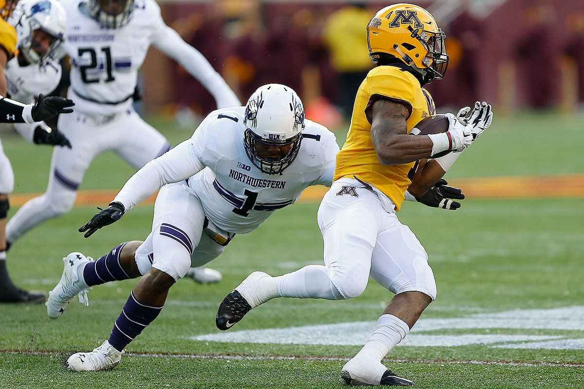 After a standout 2015 season in which he led the Big Ten in tackles for loss (20.5), Walker got off to a slow start this year due to a lingering knee injury suffered in the off-season, averaging under six tackles a game in Northwestern's first four games (in which Northwestern went 1–3), but he averaged more than nine tackles over Northwestern's last eight games. The Florida native is aggressive, attacking gaps on run defense, but pass rushing isn't his forte, and his skill set remains raw overall. If he can help shut down the Pittsburgh offense in the Pinstripe Bowl, Northwestern could have a chance.